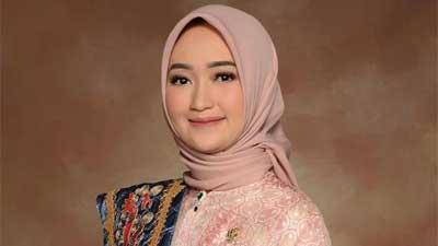 Senator cantik dari Provinsi Lampung dr. Jihan Nurlela