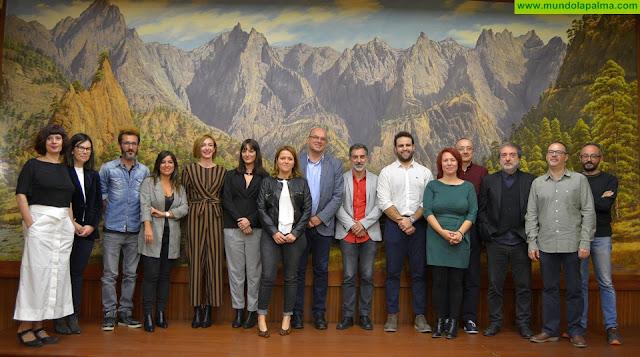 Los guionistas de isLABentura trabajan con sus tutores en proyectos de películas y series ambientadas en La Palma