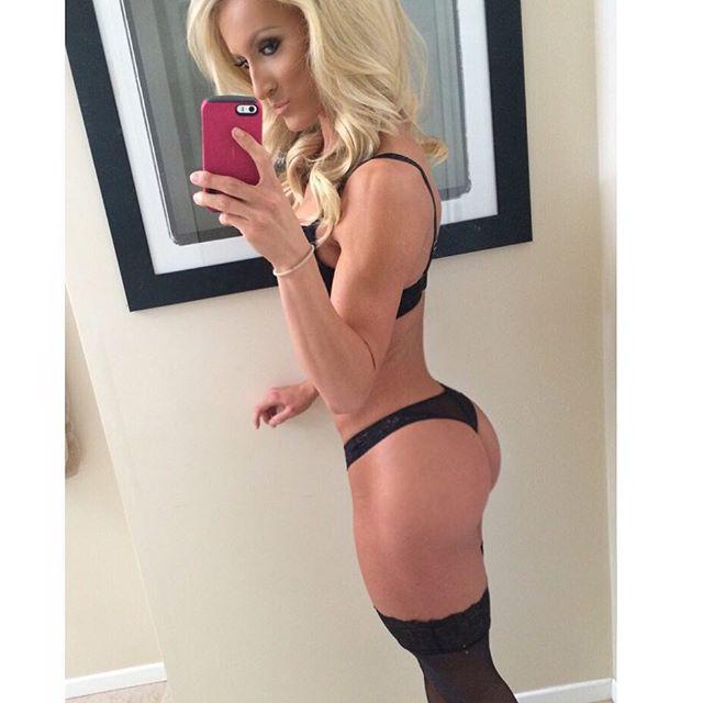 Fitness Models  Rebekah Willich Instagram photos