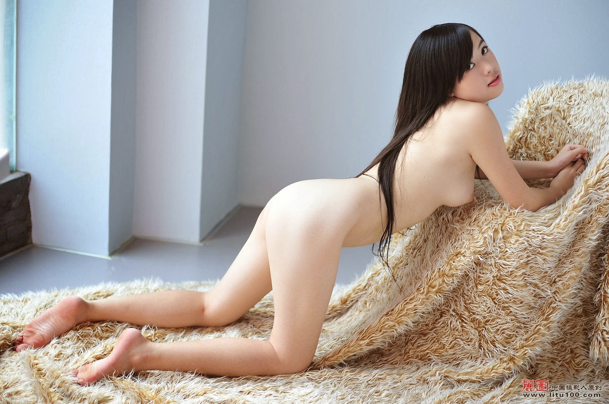 China nude pictures, golf course naked girls