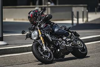 Ducati-Monster-1200-S-3