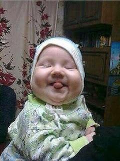 صور اطفال مضحكة