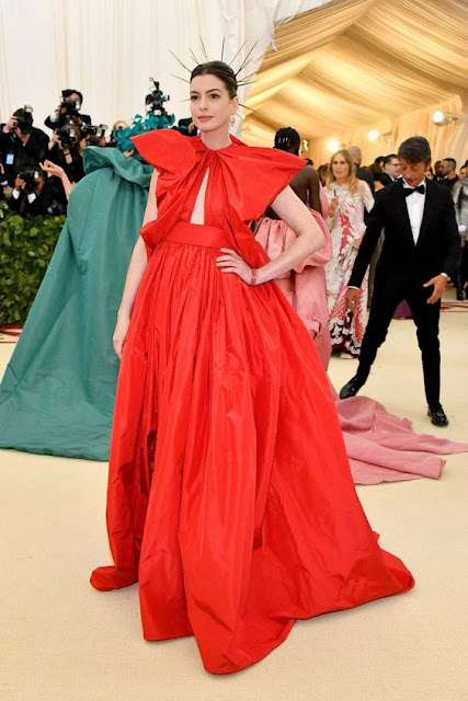 metgala2018.met.gala.redcarpet.drama.dramatic.theme.holyspirit.faith.costumedrama.vogue.newpost.fashioneventreview.art.fashion.blogpost.fashionevent.newyork.couture.avantgarde.designers.gowns.