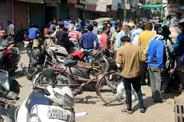 faridabad-lockdown-but-ballabhgarh-market-not-lock-down