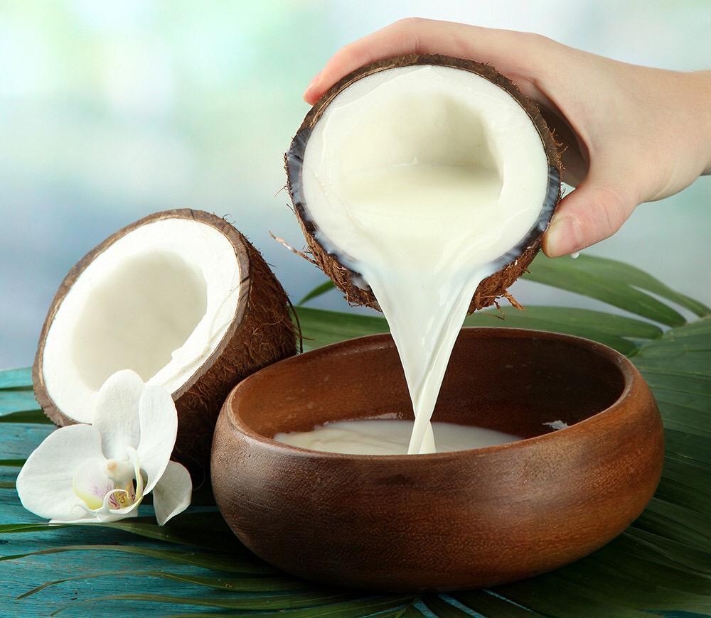 12 وصفة من حليب جوز الهند لإعادة نمو الشعر
