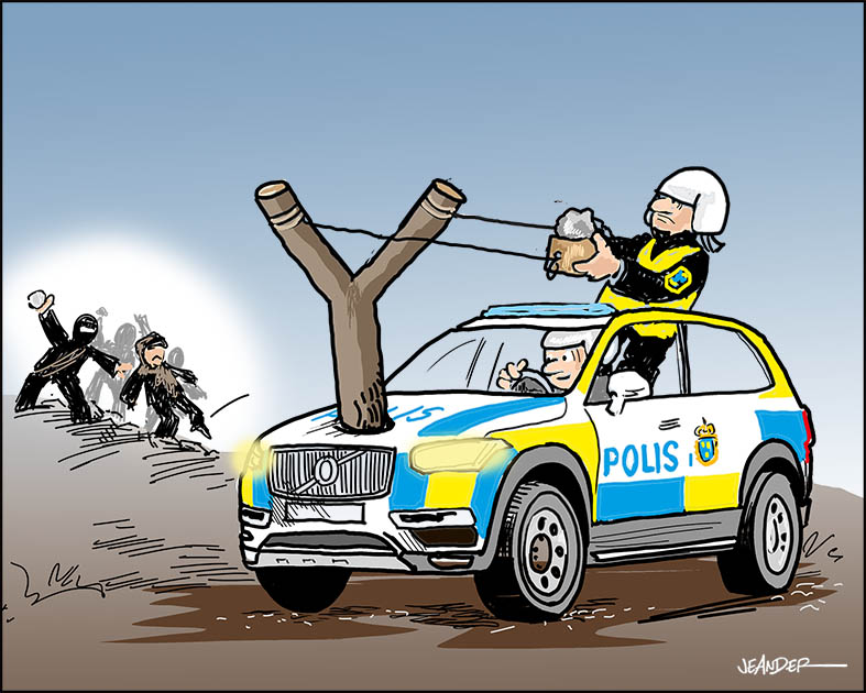 Ge polisen tillgång till alternativa vapen..