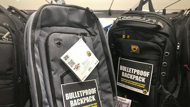 Se disparan las ventas de mochilas a prueba de balas por los tiroteos en EE.UU.