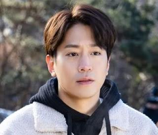 Eric pemeran Moon Seung-Mo