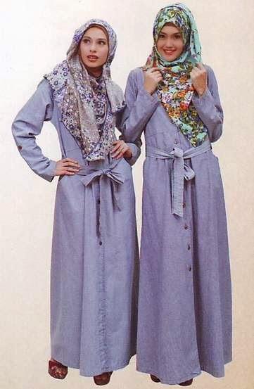 Contoh desain baju muslim modis namun syar'i