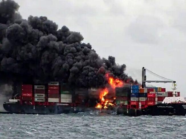 Forte explosão em navio porta-contêiner assusta tripulantes