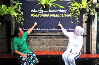 nia-daniaty-komunitas-sahabat-kartini-dan-humaniora-foundation-berikan-penguatan-semangat-hidup-dan-berbagi-bersama-pemulung