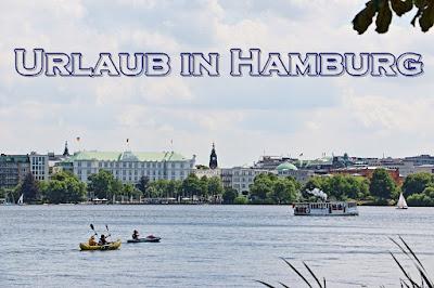 Urlaub Hamburg, Bei einem Urlaub in Hamburg mit dem Boot auf der Alster
