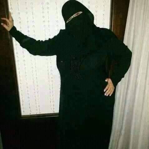 انسة جزائرية مقيمة السعودية ابحث عن الزواج و التعارف للتواصل وتساب