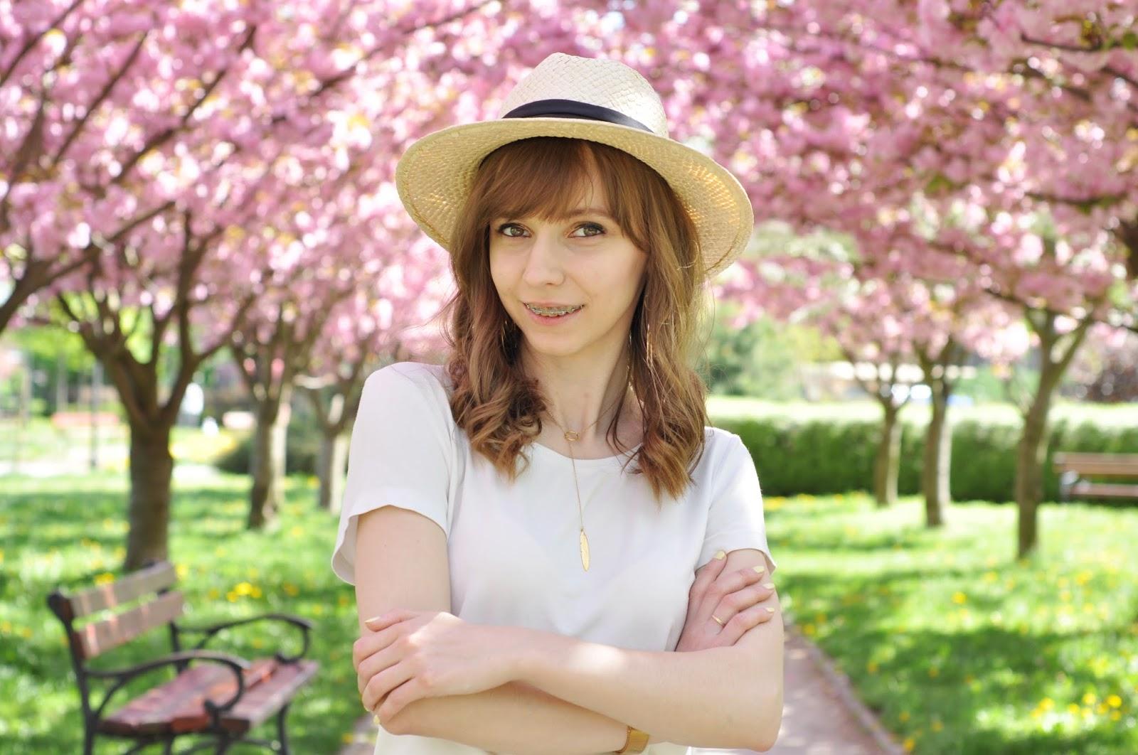 Romantyczna stylizacja | Aleja kwitnących drzew