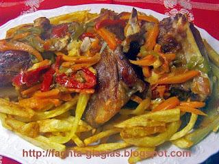 Αρνίσιο ή κατσικίσιο μπουτάκι γεμιστό στη λαδόκολλα (γιούλμπασι) - από «Τα φαγητά της γιαγιάς»