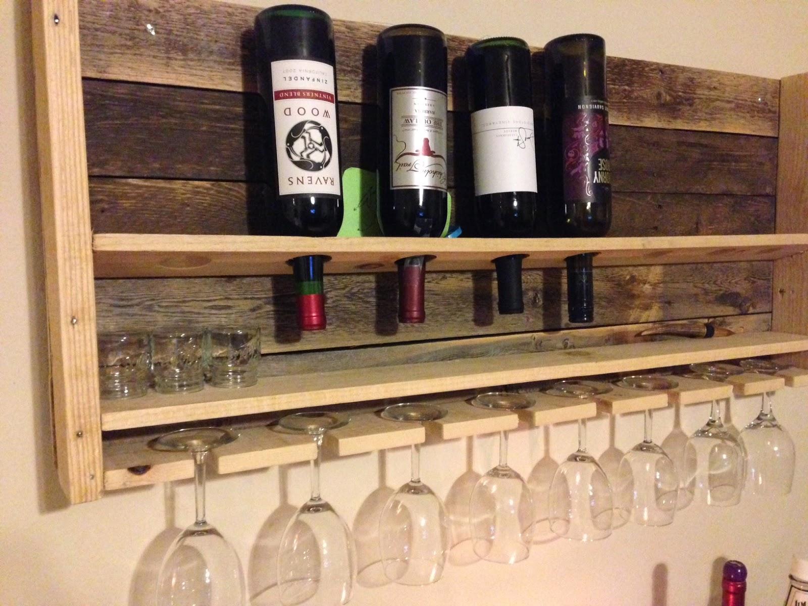 Pots, Pans & Paintbrushes: DIY Pallet Wine Rack