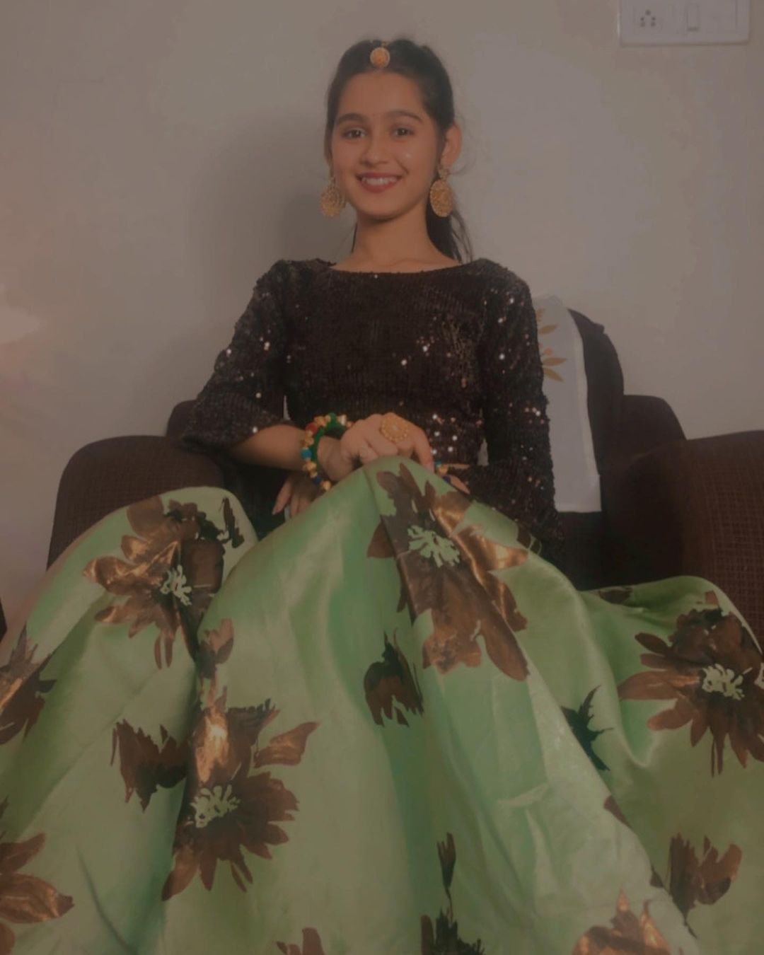 Mahi Singhvi Mishty Photos Images HD Wallpapers Free Download