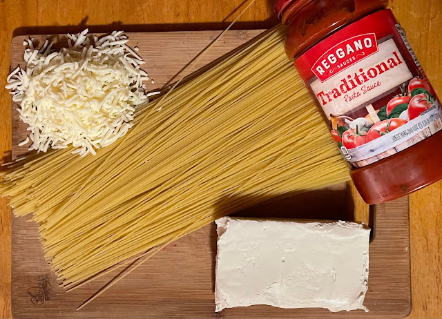 Deliciously Easy Cheesy Baked Spaghetti