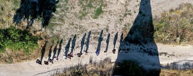 اليكم مدينة كبادوكيا التركية تقدم لزوارها متعة المسير في الوديان