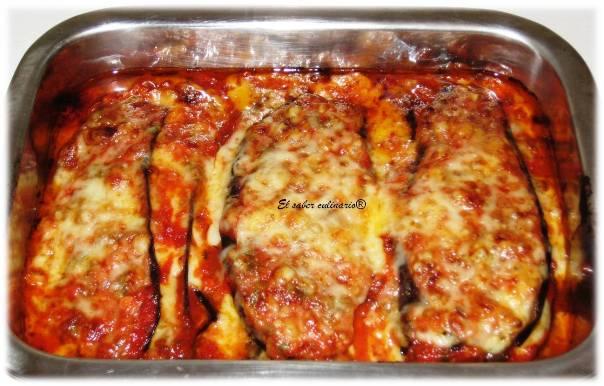 Berenjenas al horno con salsa de tomate casera, jamón y mozzarella