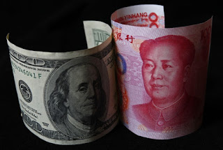 Forex - Dollar Steadies After Hitting 3-Week Low on Rate Cut Hopes