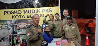 Sentuhan Hangat Posko Mudik PKS Kota Bekasi
