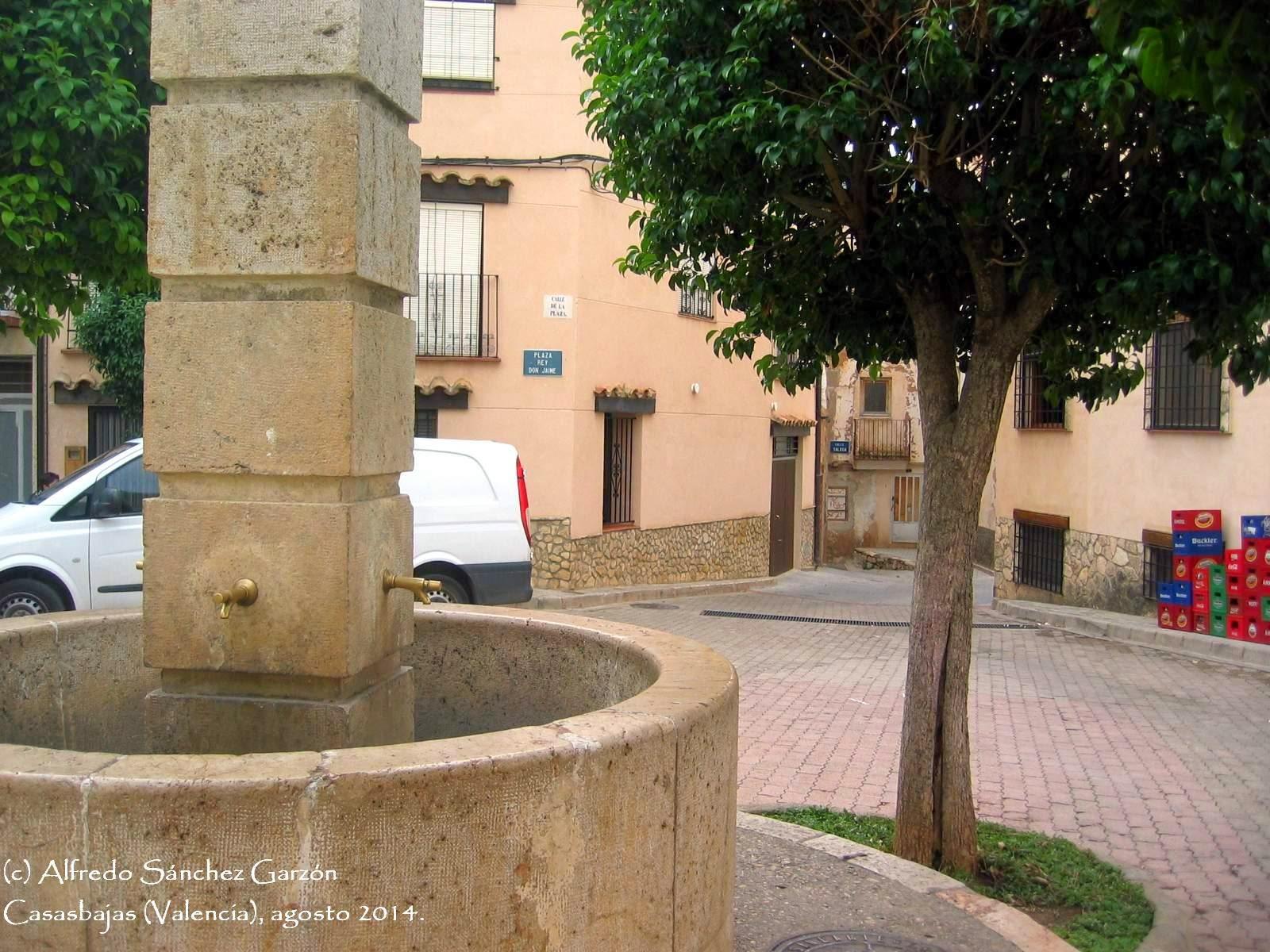 casasbajas-plaza-rey-jaime-fuente