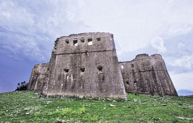 ΒΙΝΤΕΟ- Το κάστρο στα Πέντε Πηγάδια, στην Κλεισούρα