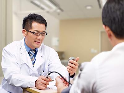 Merekomendasikan dokter terbaik berdasarkan keluhan yang dialami