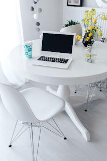 minimalist workplace