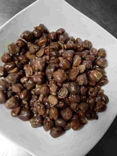 Dark brown boiled chana for chole bhature recipe