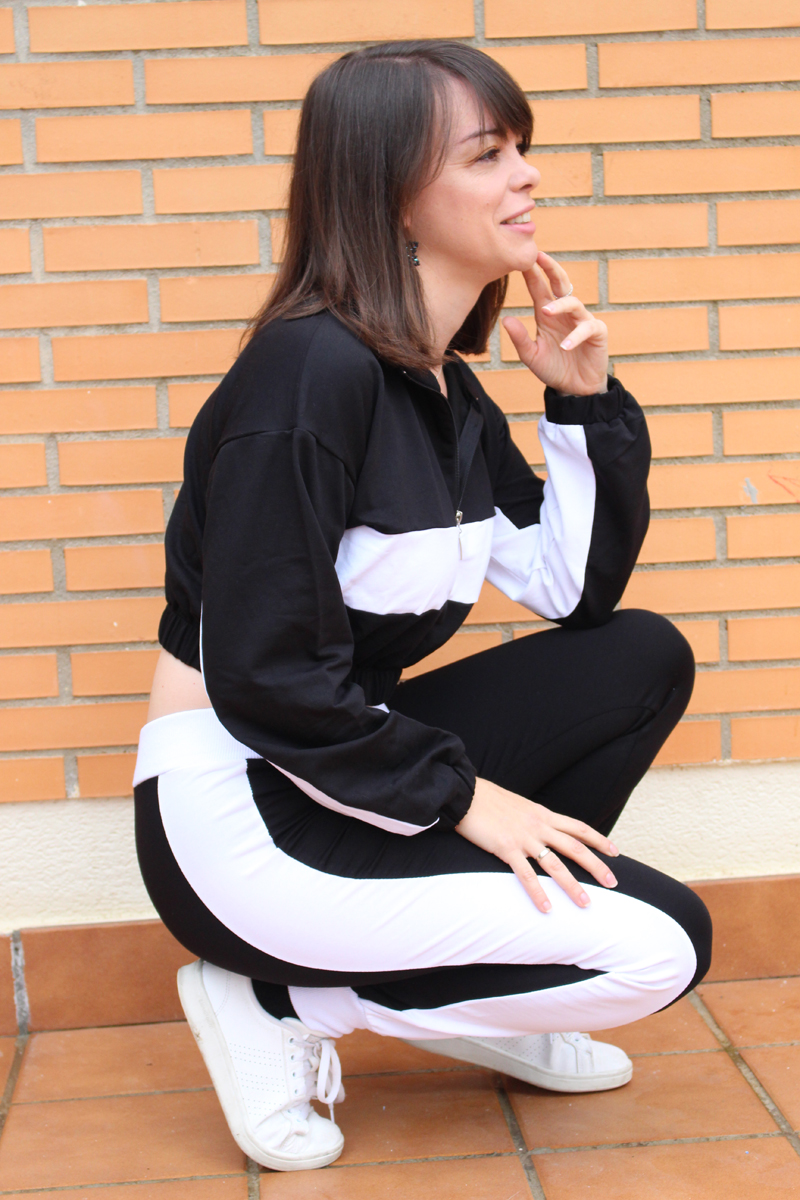 Black and white sport outfit