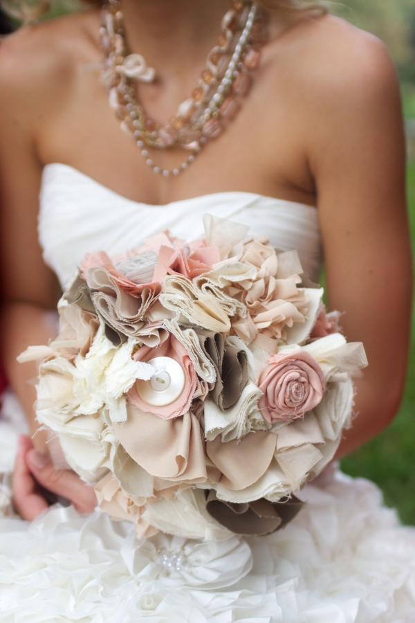 alternative wedding bouquets part 2 weddings and debuts. Black Bedroom Furniture Sets. Home Design Ideas