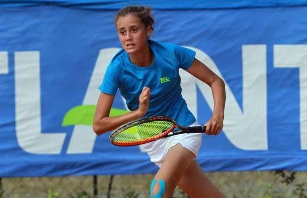 إيناس بكرار تتأهل إلى الدور النهائي لدورة الحمامات لتنس أواسط