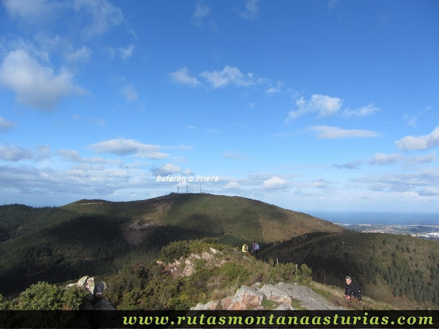 Bajando del Gorfolí y vista del Bufarán