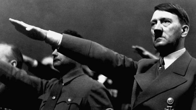 من يكون هتلر ؟