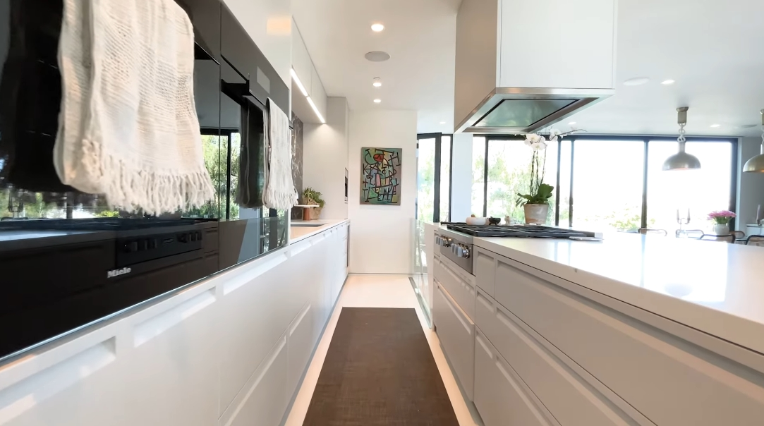 22 Photos vs. 621 Mildred Ave, Venice, CA Interior Design Tour