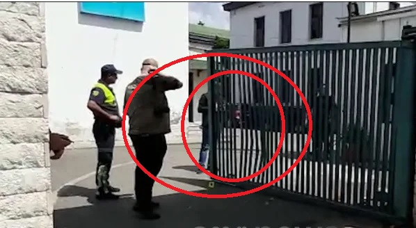 34-year old driver demolishes the police gate in Elbasan, with a gas pistol in hand