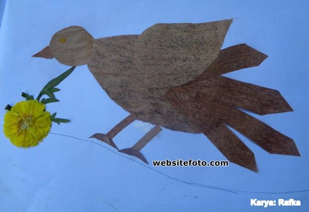 Contoh Mozaik Gambar Burung dari Daun Kering