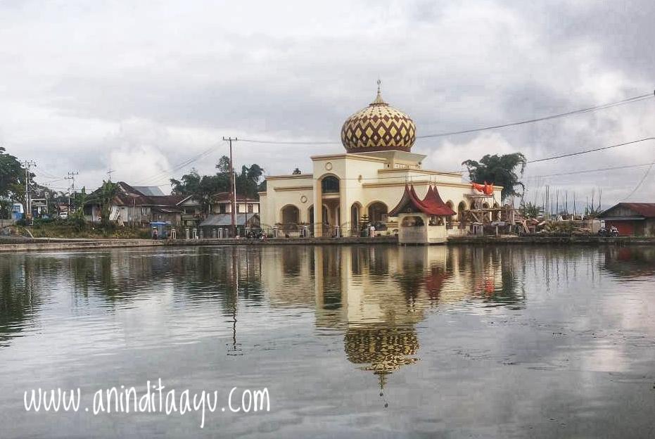 Sumatera Barat liburan di luar kota