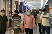 Pjs Gubernur Sulut Fatoni Pantau Protokol Kesehatan Di Tempat Keramaian Kota Manado