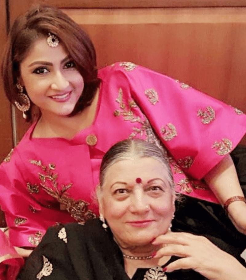 Urvashi Dholakia Mom