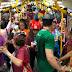 Metrô do Cariri recebe idosos em festejo de carnaval no VLT, entre Crato e Juazeiro