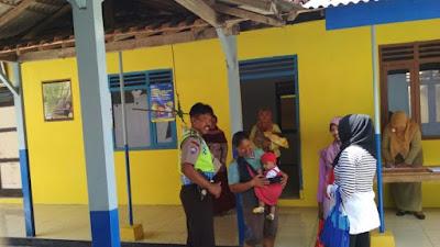 Anggota Polsek Pituruh Tinjau Kegiatan Posyandu di Desa Karanganyar