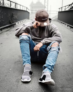 model Jaket Sweater Dan Ripped Jeans kekinian pria
