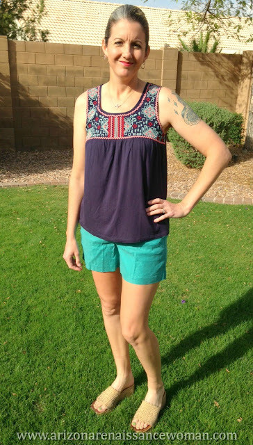 Level 99 Cindie Linen Short and Skies are Blue Bradie Embroidery Front Knit Top - Stitch Fix Review - March 2016