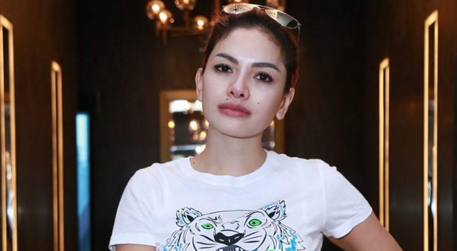 Nikita Mrizani artis seksi selalu jadi janda