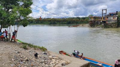 Cierran importante puente en Lloró