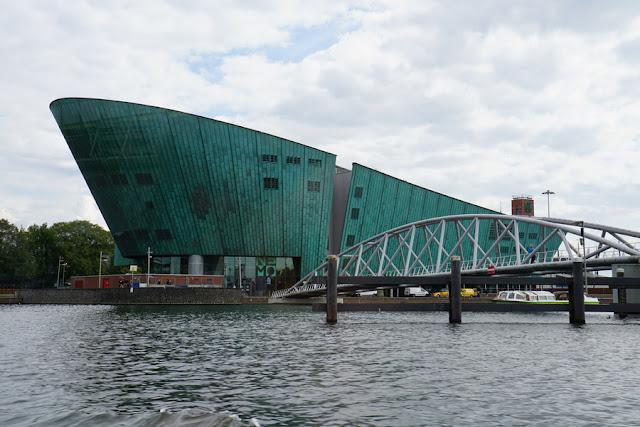 NEMO - Museu de Ciência e Tecnologia de Amsterdam