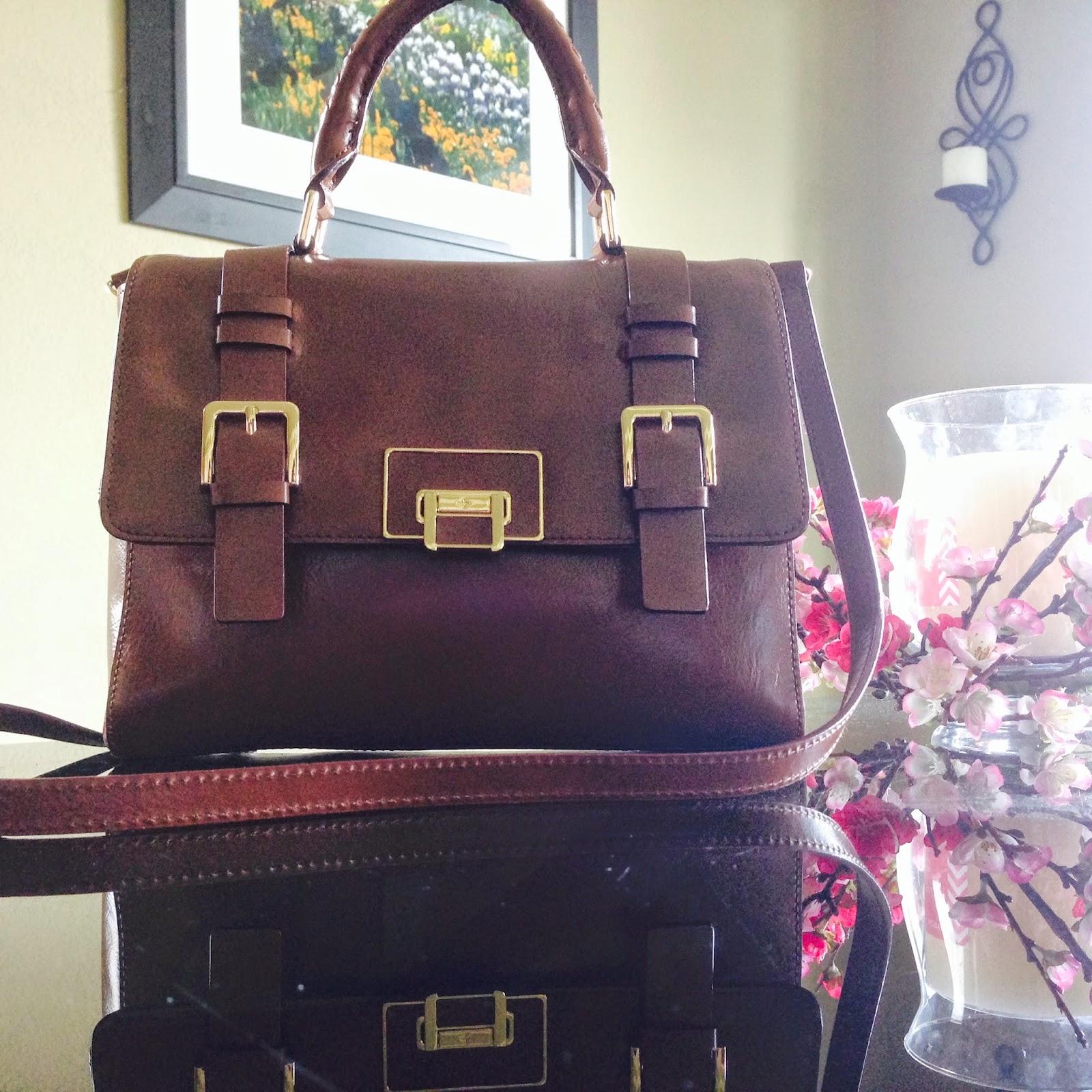 b0f8e3357638 What s in my purse  Antonio Melani Wenda Cross-Body Bag Review ...